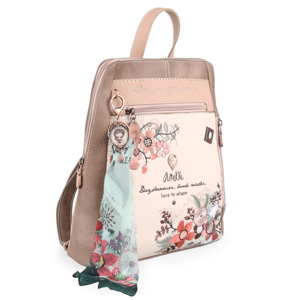 bc54bb9010c Do batohu pohodlně umístíte svou oblíbenou knihu formátu A5 nebo tablet s  úhlopříčkou 10  .