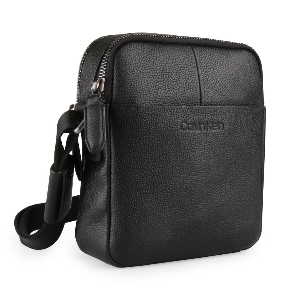 Calvin Klein Pánský kožený messenger Gusset Mini K50K503848 - černá