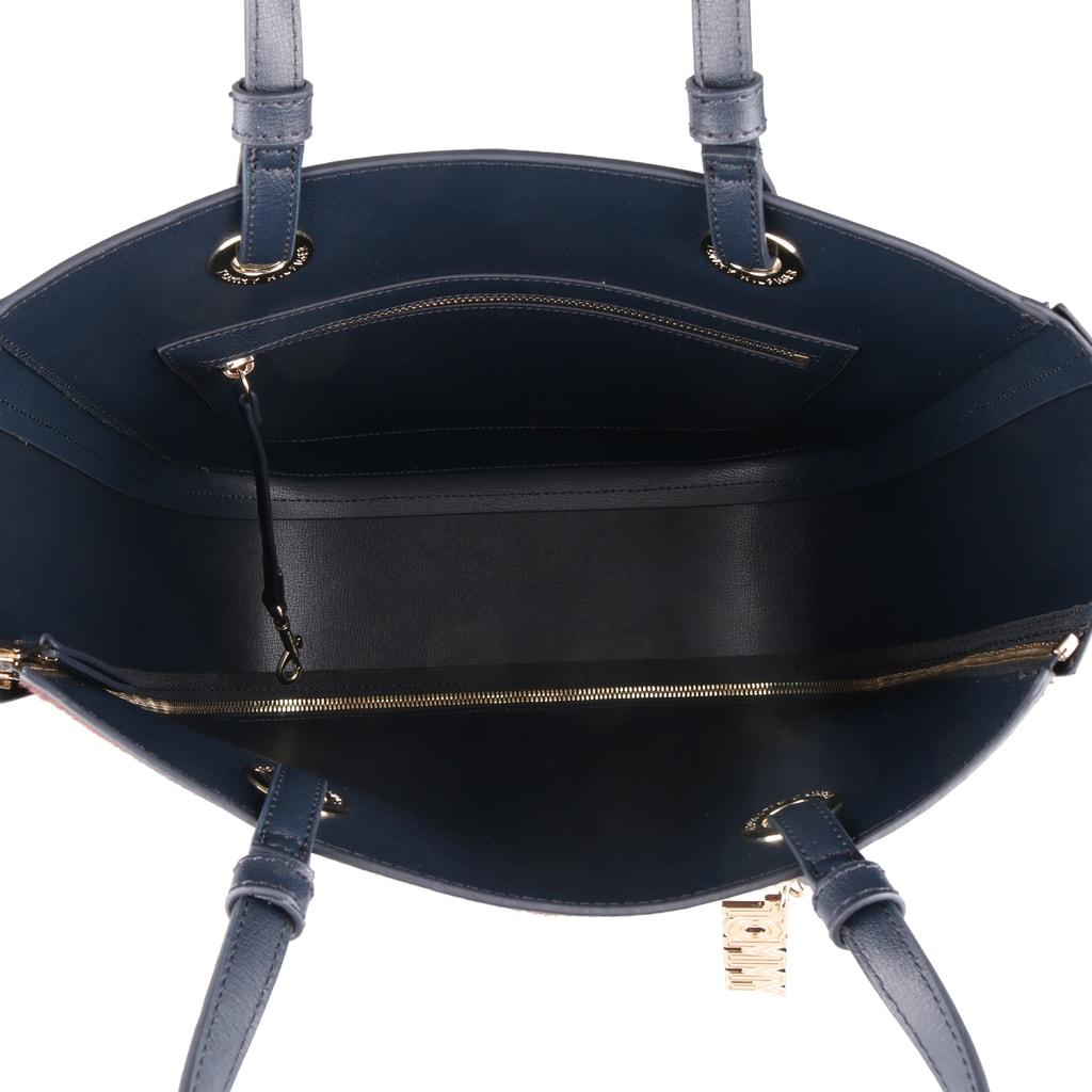 Vnútro kabelky je vybavené zipsovým vreckom a karabínou na uchytenie kľúčov b3b0a06503b