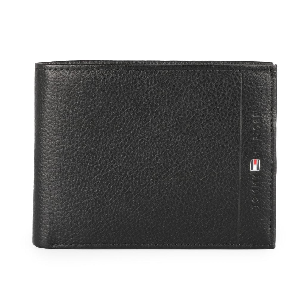Uchovávajte svoje financie štýlovo v koženej peňaženke od obľúbenej značky Tommy  Hilfiger. 6d5d1bd620b