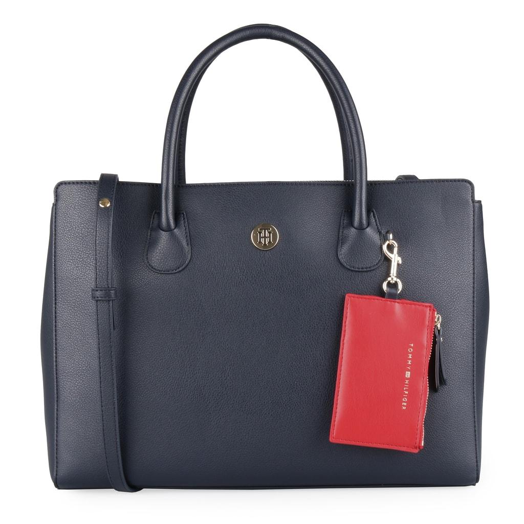 Elegantní dámská kabelka z nové kolekce jaro léto 2019 od značky Tommy  Hilfiger je promyšleným kouskem 39219cc84b8