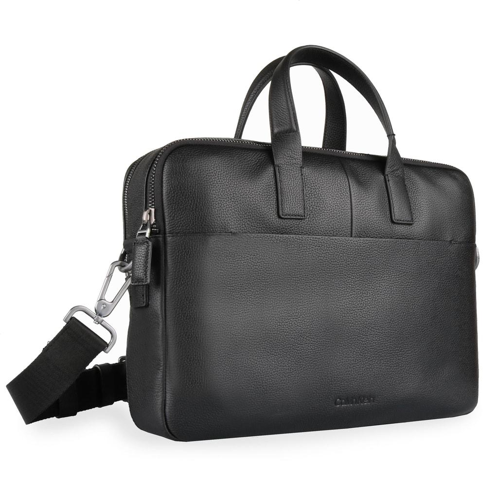 Stylová pánská kožená taška na notebook od oblíbené značky Calvin Klein vám  zajistí komfortní uložení všech vašich nezbytností. 2250c0dbf34