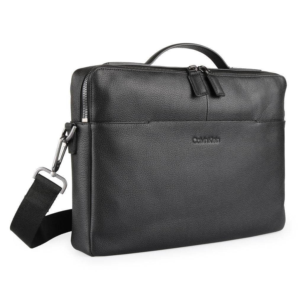 Stylová pánská kožená taška od značky Calvin Klein se stane nedílnou  součástí vašich cest do práce. 31c57e1a5ac