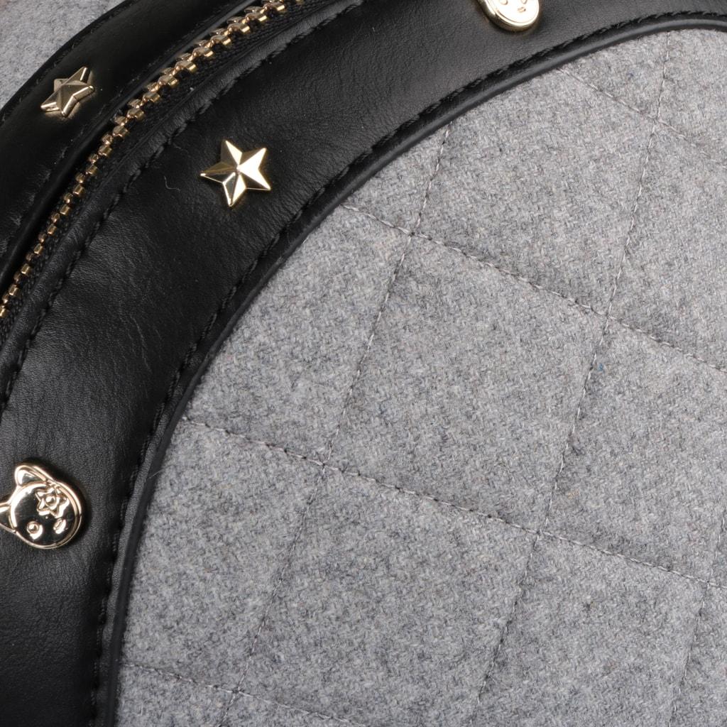 DÁMSKÉ BATOHY  Batoh Tommy Hilfiger je vyroben z kvalitního materiálu. 43fd0d56e0