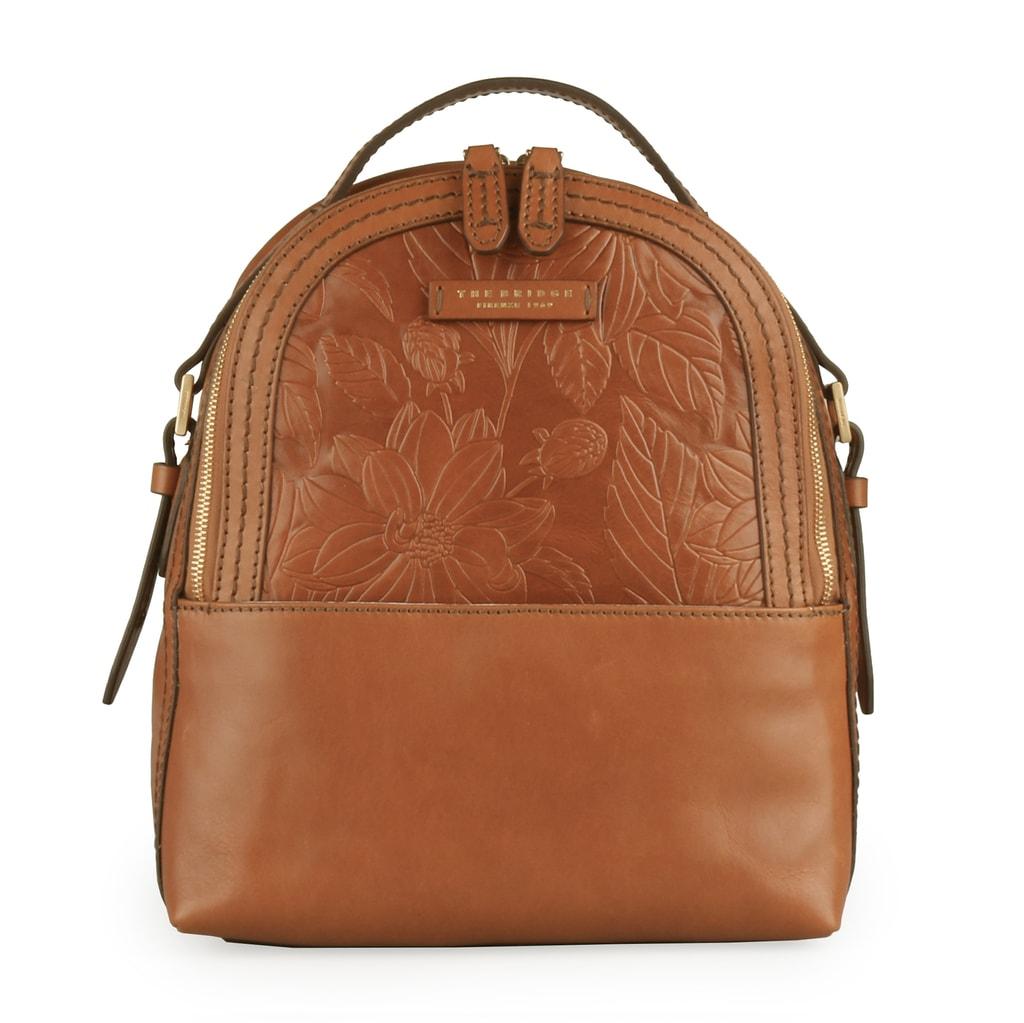 43f3c235b96 Luxusní dámský batoh od italské značky The Bridge skvěle doplní jakýkoliv  outfit.