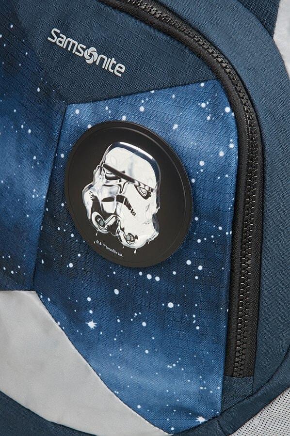 Děti si batoh můžou přizpůsobit díky vyměnitelným odznakům na přední části.  SAMSONITE ... 14a454d252