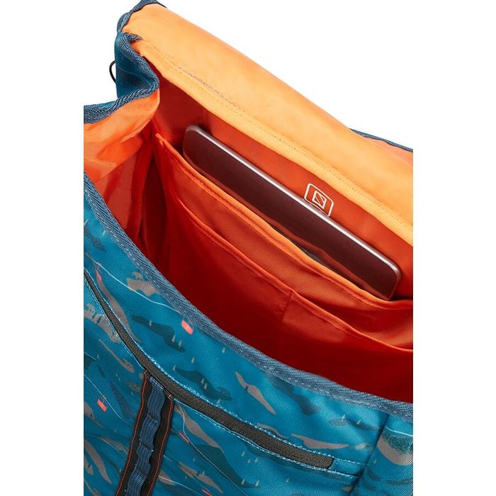 Součástí je také polstrovaná kapsa pro notebook do velikosti 15.6